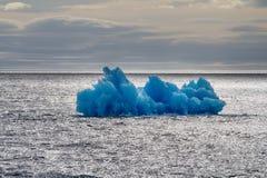 Área ártica Novaya Zemlya de la acción del hielo del iceberg Imagenes de archivo