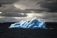 Área ártica Novaya Zemlya de la acción del hielo del iceberg Fotografía de archivo libre de regalías