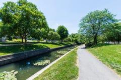 Área cênico em Carrol Creek Promenade em Frederick, Maryland fotografia de stock royalty free