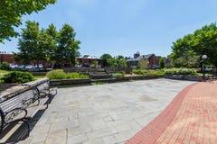 Área cênico em Carrol Creek Promenade em Frederick, Maryland imagem de stock