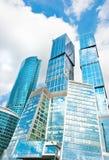 área comercial de los skycrapers de la Moscú-ciudad en Moscú Fotografía de archivo