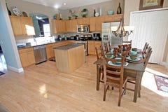 Área da cozinha e do pequeno almoço foto de stock
