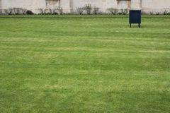 Área da grama na frente da faculdade Cambridge dos reis Foto de Stock Royalty Free