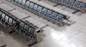 Área da partida do terminal de aeroporto para dentro fotos de stock