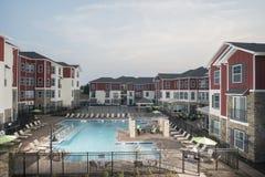 Área da piscina de gama alta imagem de stock royalty free