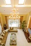 Área da sala de estar na casa reconstruída recentemente restaurada imagens de stock royalty free