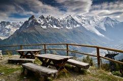 Área de comida campestre en las montan@as francesas Fotos de archivo libres de regalías