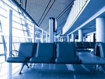 Área de espera do terminal de aeroporto fotografia de stock