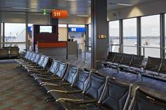 Área de espera vazia do aeroporto Imagens de Stock Royalty Free