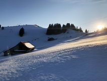 Área de esqui de Rigi Staffel ou Skifahren Rigi Staffel perto da lucerna Vierwaldstättersee do lago e do lago Zug Zugersee foto de stock