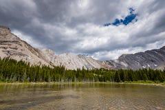 Área de los lagos del tarro de la salmuera en el verano Fotos de archivo