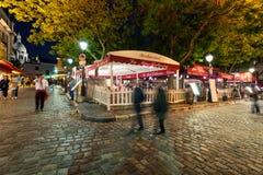 Área de Montmartre en la noche Imágenes de archivo libres de regalías