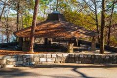 Área de picnic en el parque de Stone Mountain, los E.E.U.U. Imagen de archivo