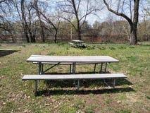 Área de piquenique em um parque público, Rutherford, NJ, EUA fotos de stock