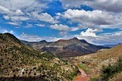 Área de região selvagem da garganta de Salt River, floresta nacional de Tonto, Gila County, o Arizona, Estados Unidos imagem de stock