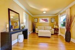 Área de sentada acogedora Interior de la sala de estar Fotografía de archivo libre de regalías