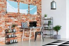 Área de trabalho brilhante com cartazes fotografia de stock royalty free