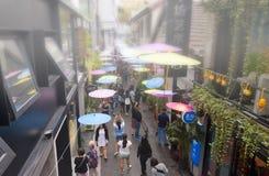 Área de turista Shanghai de Tianzifang foto de stock