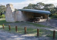 Área del Bbq de Dennis Hut, Waitpinga, sur de Australia Fotos de archivo libres de regalías