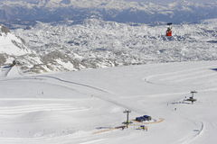 Área del esquí de la montaña de Dachstein Foto de archivo