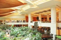 Área del pasillo de la recepción en hotel de lujo fotos de archivo