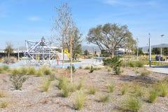 Área do campo de jogos no grande parque Fotografia de Stock
