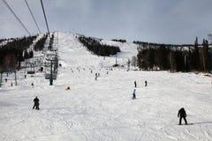 Área do esqui da montanha imagens de stock royalty free