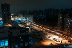 A área do sono da cidade grande é uma opinião da noite de cima de Imagens de Stock