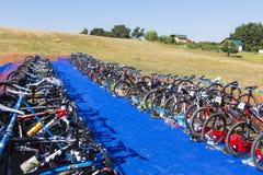 Área do trânsito - suporte da bicicleta fotografia de stock royalty free