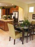 Área e cozinha de jantar fotos de stock
