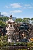 Área escénica de Buda del gigante de Lingshan y x22; abajo monstruos Road& x22; escultura de cobre grande Foto de archivo libre de regalías