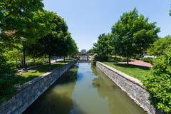 Área escénica en Carrol Creek Promenade en Frederick, Maryland Fotos de archivo libres de regalías