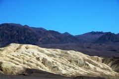 Área histórica de Harmony Borax Works As exibições ao longo da fuga incluem um trem de vagão de Team Borax de 20 mulas e as ruína fotos de stock