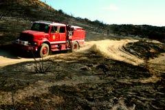 Área queimada de patrulhamento do carro de bombeiros de Calfire Imagem de Stock