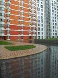 Área residencial nuevamente construida moderna y cómoda Foto de archivo libre de regalías