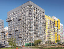 Área residencial nuevamente construida moderna y cómoda Imágenes de archivo libres de regalías