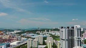 Área residencial y puerto de Singapur Lapso de tiempo almacen de video