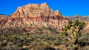 Área roja de la protección del barranco de la roca Imagen de archivo libre de regalías