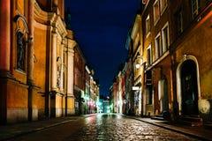 Área turística de la ciudad vieja en Varsovia Polonia fotos de archivo