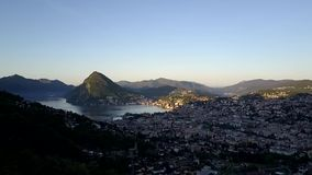 Área urbana de Lugano do ar video estoque