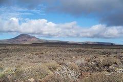 Área vulcânica árida, ilha de Lanzarote, canário, Espanha imagens de stock