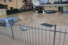 Áreas residenciales inundadas en Marina di Carrara Foto de archivo