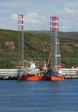 Ártico da plataforma petrolífera em Kola Bay Fotos de Stock Royalty Free