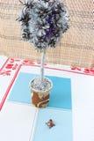 Árvore ИРde Tmas·A vela do 'ÑŒ do ½ Ð¸Ñ do ¼ Ð?Ð de Ð, decorações do Natal, assinou com o ano novo e o Natal, brinquedo do tanq Fotografia de Stock Royalty Free