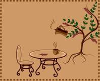 Árvore com potenciômetro e xícara de café do café Fotografia de Stock Royalty Free