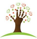 Árvore com uma mão e um logotipo dos corações Imagem de Stock