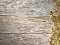 Árvore de abeto do Natal na textura de madeira. painéis velhos do fundo Foto de Stock