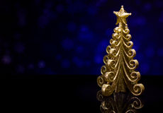 Árvore de abeto do ouro do ` s do Natal e do ano novo Fotos de Stock Royalty Free