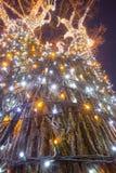 Árvore de iluminação decorada imagens de stock