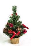 Árvore de Natal bonita isolada no fundo branco Foto de Stock